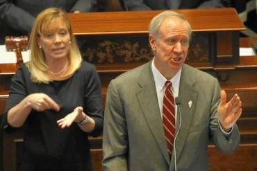 Gov. Bruce Rauner delivers an address on his budget proposal at the Capitol in Springfield on Feb. 18, 2015. (Photo by Abel Uribe, Chicago Tribune)