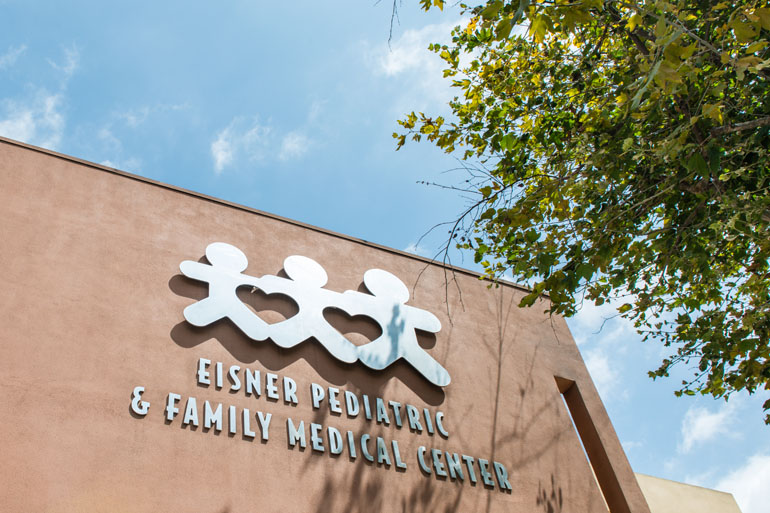 The Eisner Pediatric and Family Medical Center in Los Angeles, California (Photo by Heidi de Marco/KHN).