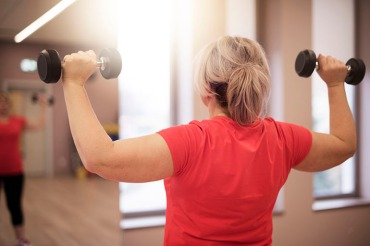 woman_weightlifting_770