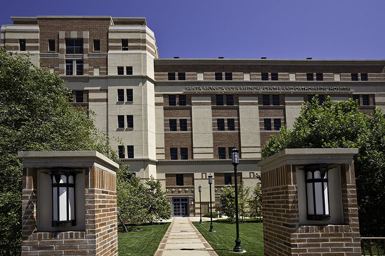 University Of California OKs $8 5 Million Payout In Spine Surgery