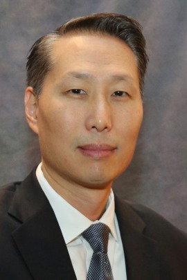 Dr. Jeffrey Wang, former UCLA spine surgeon now at USC. (North American Spine Society, courtesy of the Los Angeles Times)