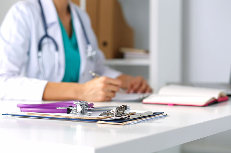 Women Doctors May Be Better For Patients' Health | Kaiser