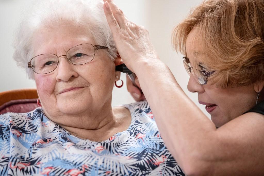 como sacar bien la cera del oido