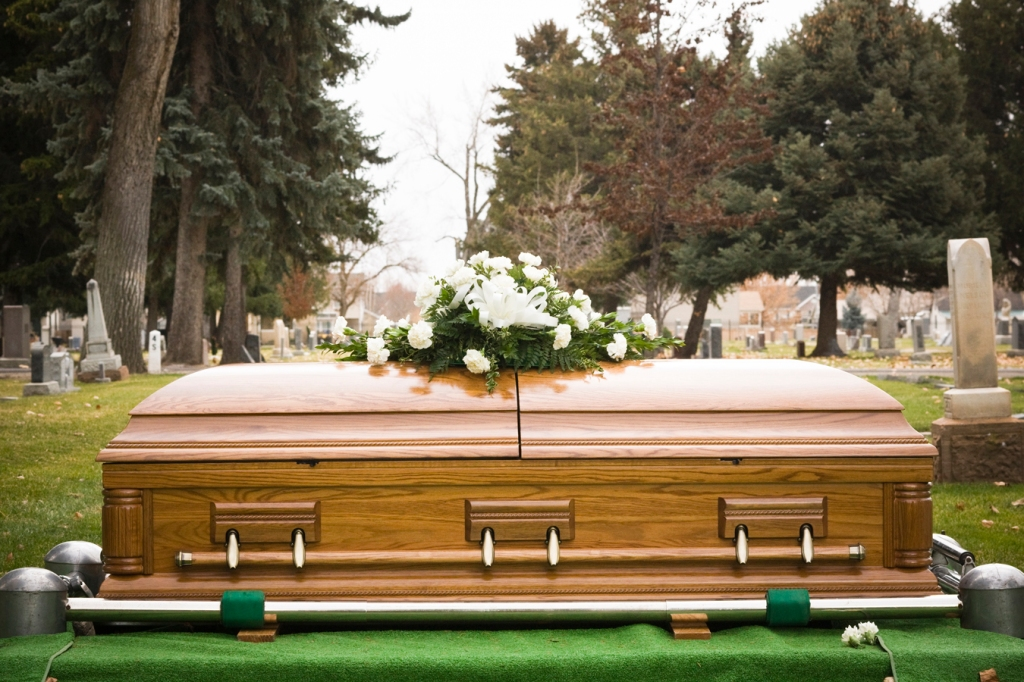 Funeral Homes Families Ponder Deaths In The Age Of Covid 19 Kaiser Health News