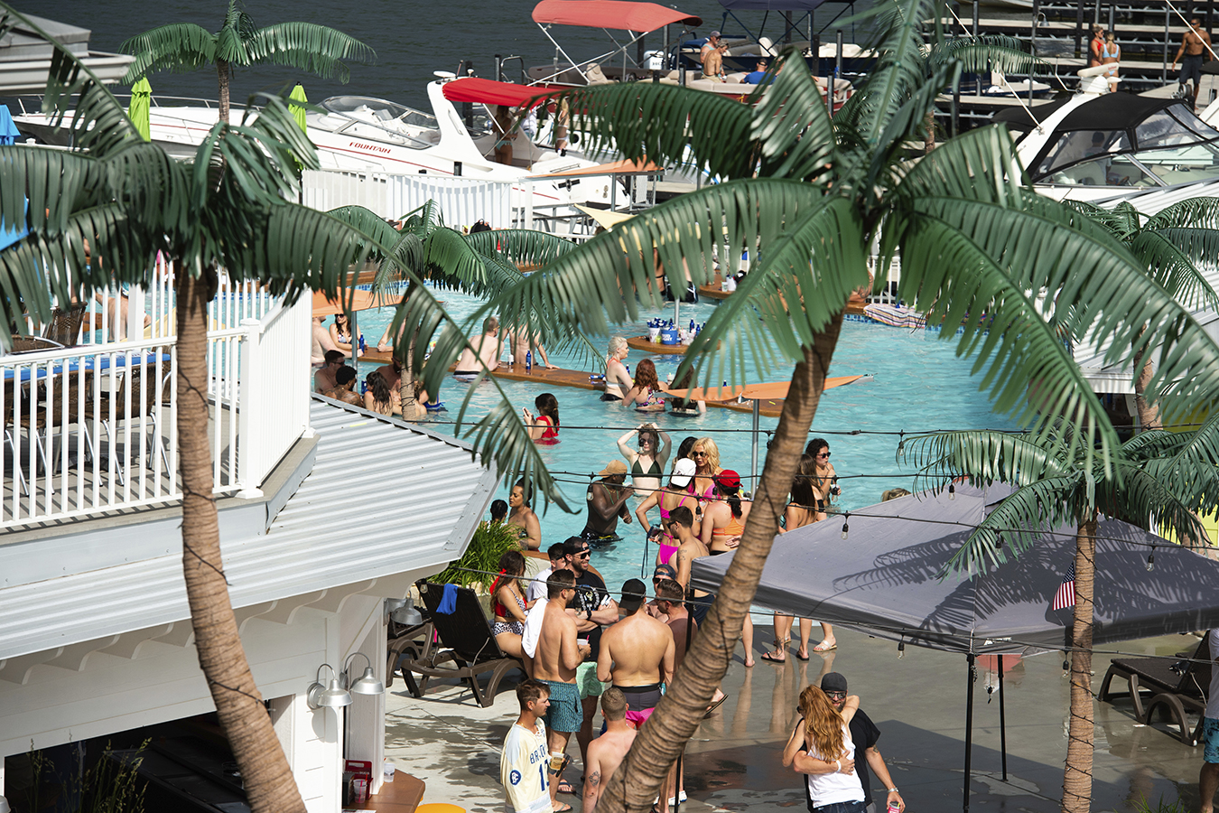 At Lake Of The Ozarks, It's (Almost) Business As Usual, Despite The Coronavirus
