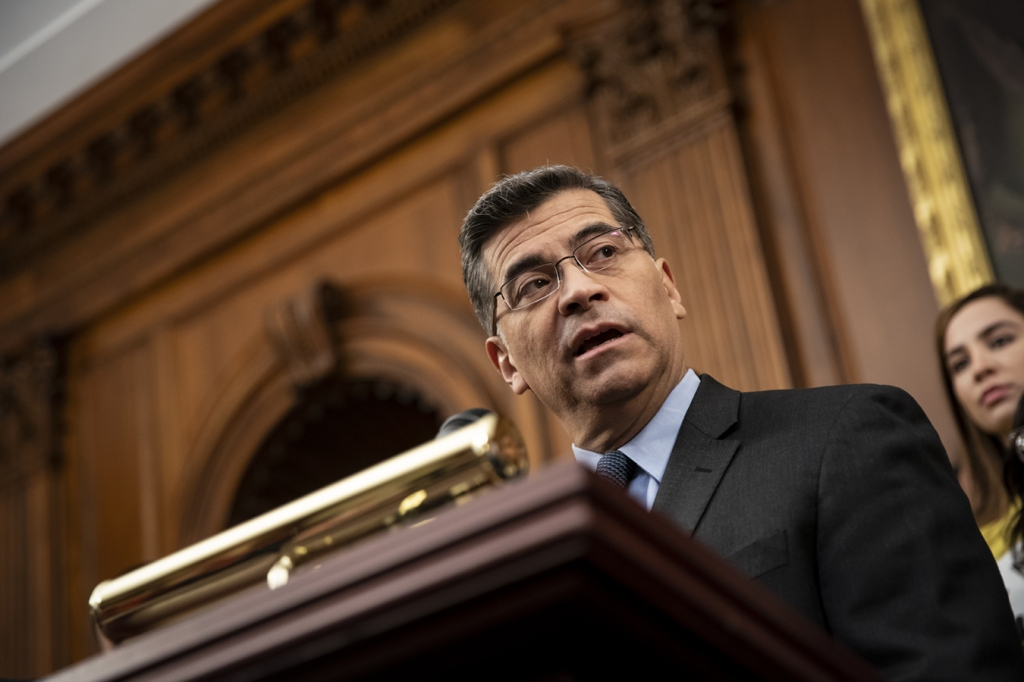 "Fiscal general de California: los jueces deben ver que ACA es ""indispensable"" thumbnail"
