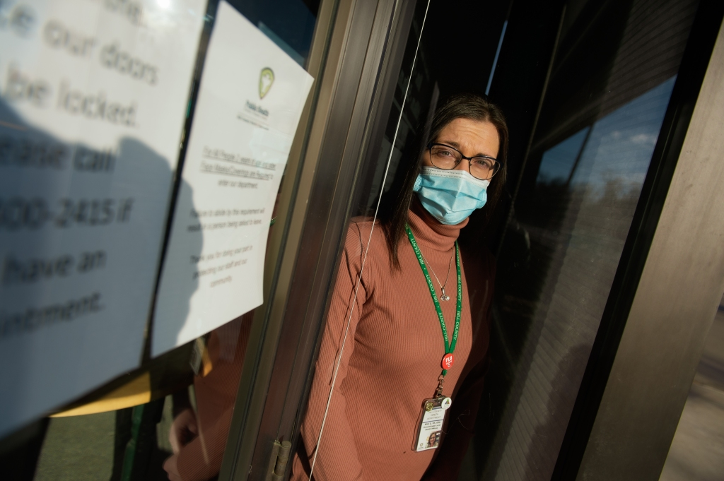 In Fast-Moving Pandemic, Health Officials Try to Change Minds at Warp Speed thumbnail