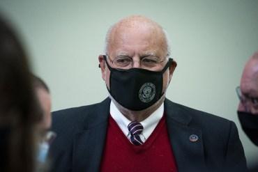 portrait of Robert Redfield wearing a mask