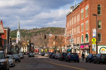 Building salong Main Street in Montpelier, Vermont