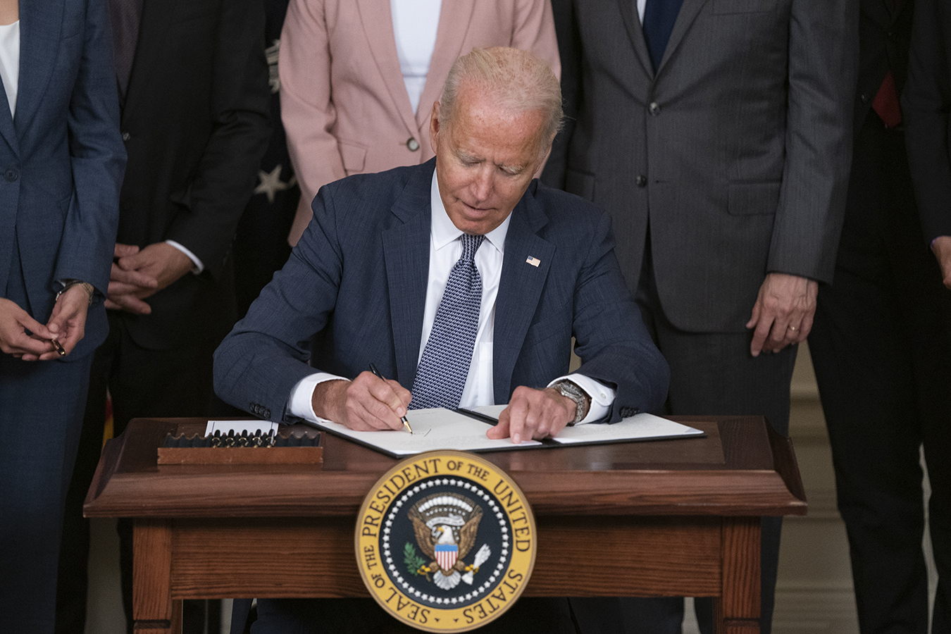 Biden's July Executive Order Includes Drug Pricing Provisions. But Will  They Do Enough? | Kaiser Health News