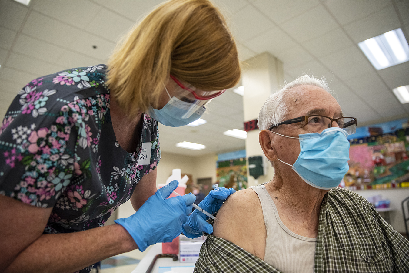 """""""Wisdom and fear"""" lead 90% of US seniors to get vaccinated versus covid"""